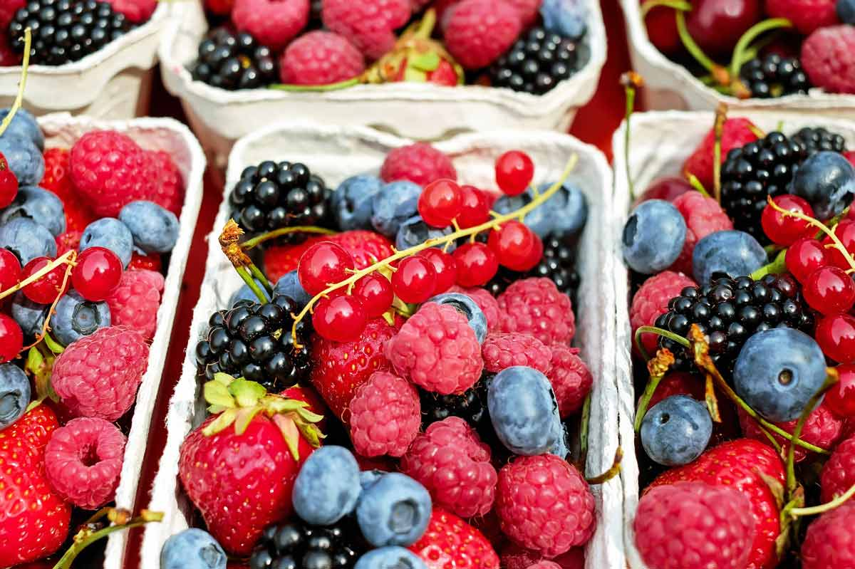 truth about sugar - fruits - berries